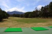 富士山に向かって行っていく気持ちのいいドライビングレンジ