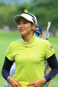 予選落ち危機から「65」で7位タイに浮上した原英莉花 NEC軽井沢72ゴルフトーナメント(2018)(2日目) 写真・米山聡明